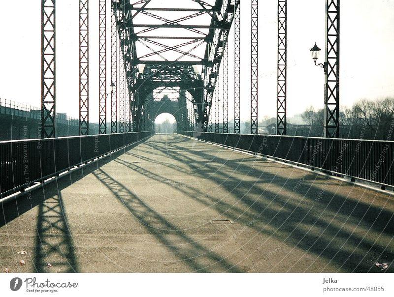 Alte Elbbrücke Brücke Wege & Pfade ästhetisch Süderelbe Harburg Wilhelmsburg Elbe Hamburg bridge bridges wy ways path Gedeckte Farben