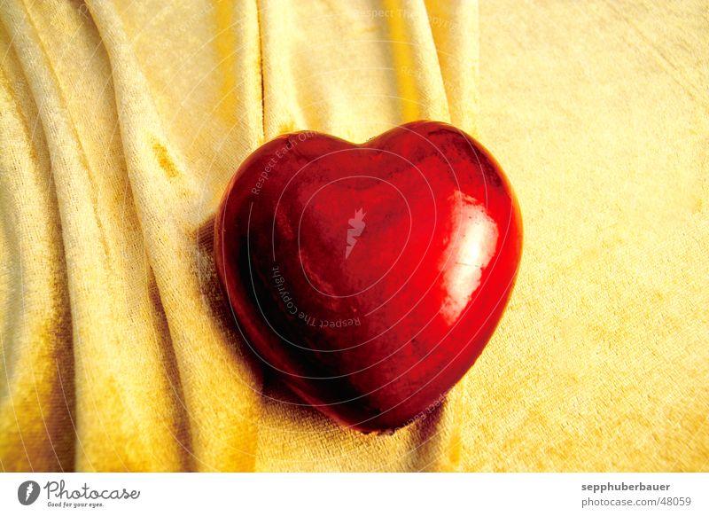 heart of gold Herz Dekoration & Verzierung gelb rot Liebe Romantik Tuch Kitsch Valentinstag