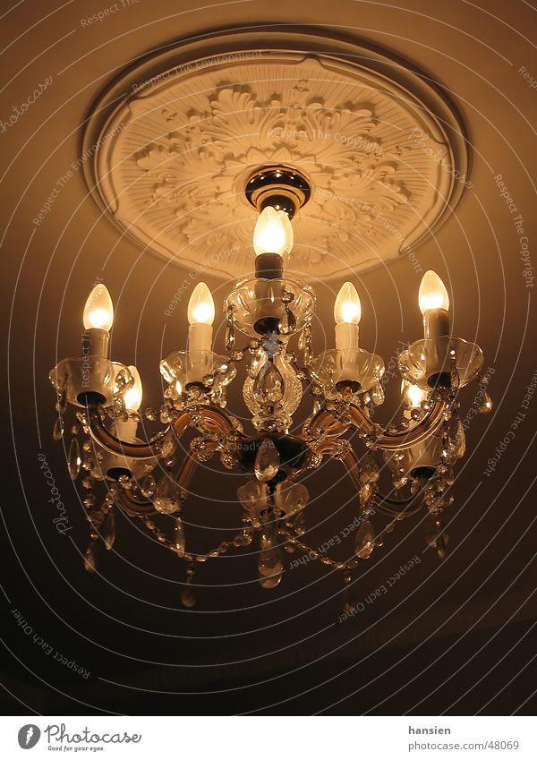 Kronleuchter elektrisch Lichtstimmung Farbverlauf Schatten