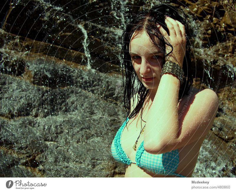 Erfrischung nötig :) Mensch feminin Junge Frau Jugendliche Gesicht 1 18-30 Jahre Erwachsene Natur Landschaft Wasser Wassertropfen Sommer Schönes Wetter Wärme