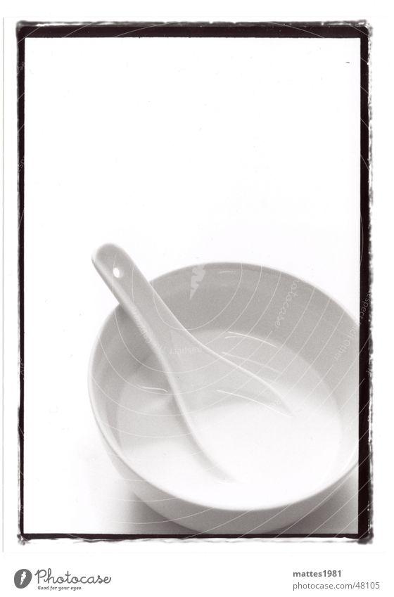 Mahlzeit Milch Suppe China Löffel Dessert Einladung Mittagessen Kasper Getränk dünn schaale Ernährung Schwarzweißfoto