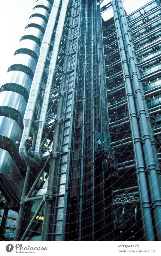 Ruhrpott in London Metall Fassade Fahrstuhl Ruhrgebiet