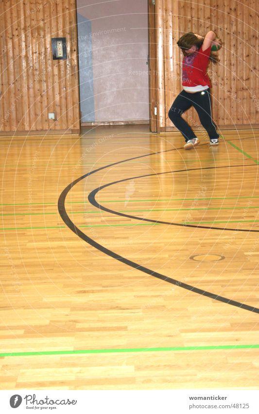 Verve Kind Mädchen Sport Spielen Haare & Frisuren Turnen Schulsport