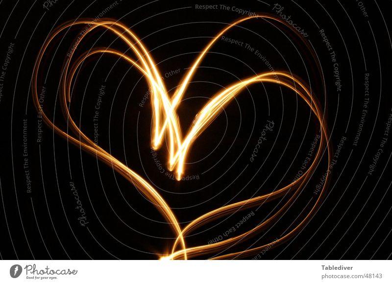 Love Light Liebeserklärung Romantik Kerze Licht Nacht dunkel schwarz Langzeitbelichtung Taschenlampe Symbole & Metaphern Herz Lampe Zeichen