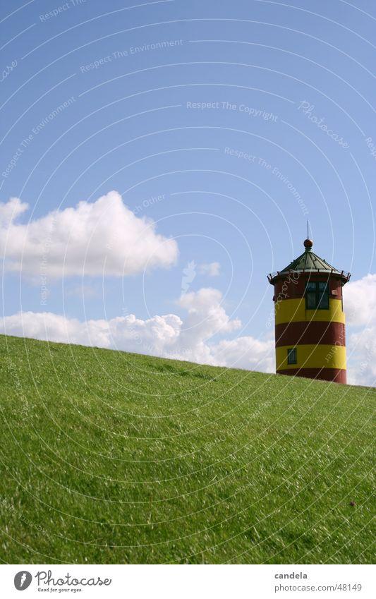 Leuchtturm Pilsum Deich Ostfriesland Meer Wiese Gras Wolken otto Natur Wasser Himmel Turm Neigung Architektur
