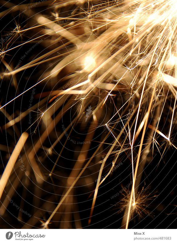 Silvester Feste & Feiern glänzend gold Feuer Stern (Symbol) Silvester u. Neujahr Feuerwerk Funken Explosion Wunderkerze Neujahrsfest