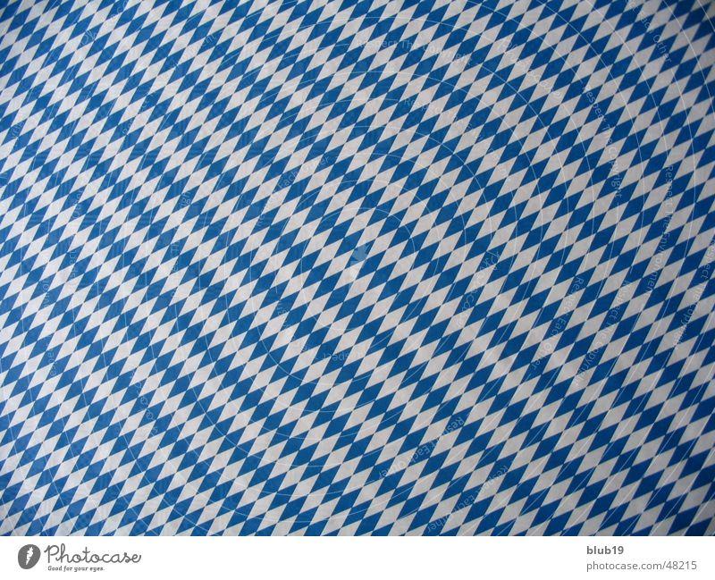 Bayerns Himmel weiß blau kariert
