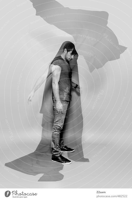 10 Jahre dabei elegant Stil maskulin Junger Mann Jugendliche 30-45 Jahre Erwachsene Skulptur T-Shirt Jeanshose Stoff kurzhaarig Bewegung träumen gruselig