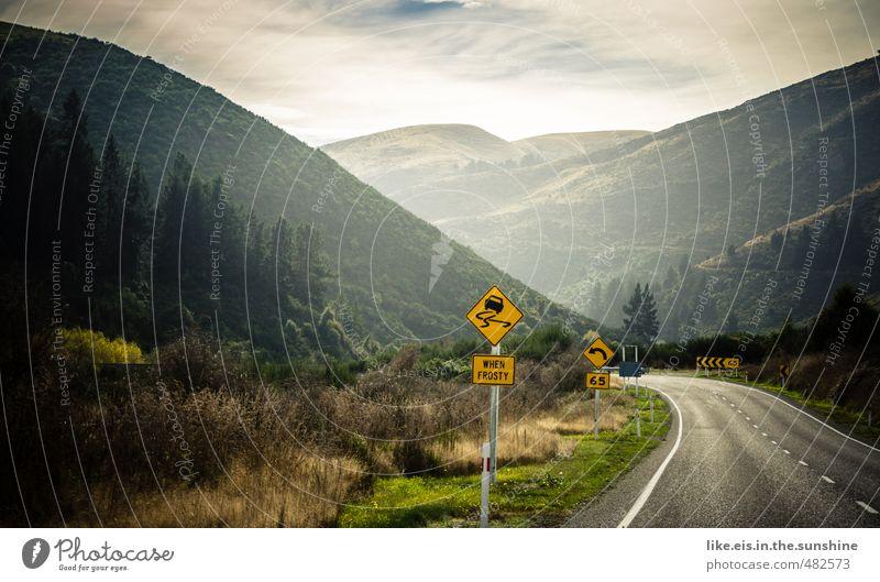 neuseeland tut gut. Natur Ferien & Urlaub & Reisen Einsamkeit Landschaft Ferne Wald Umwelt Berge u. Gebirge Straße Freiheit PKW Tourismus Ausflug Abenteuer Hügel Verkehrswege