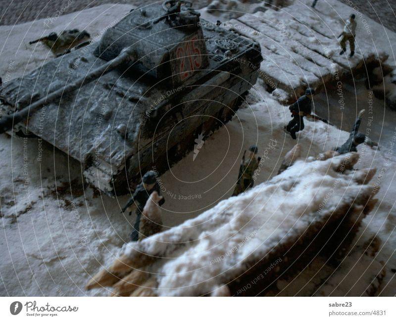 wintereinsatz Winter Schnee Landschaft Krieg historisch Soldat gepanzert Weltkrieg