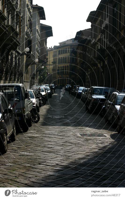 streets of firenze Straße dunkel PKW Toskana Florenz