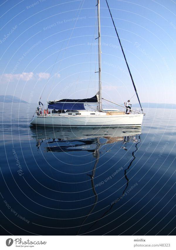 Flaute Wasser Himmel Meer blau Wellen Segeln langsam Segelschiff Mittelmeer