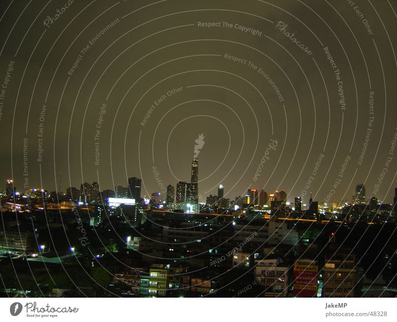 Bangkok bei Nacht dunkel Skyline Thailand Eindruck Bangkok