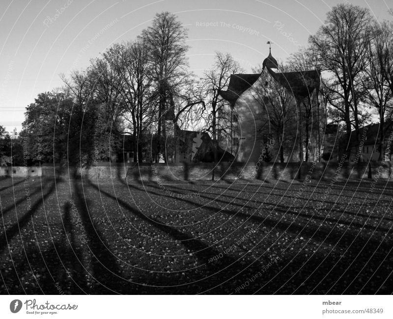 Schlosspark im Herbst Sonne Herbst Wiese Park Burg oder Schloss Chemnitz Wasserschloss Klaffenbach