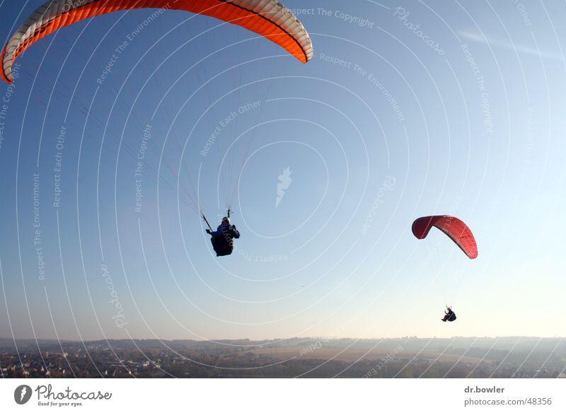 Paragliding Gleitschirmfliegen Fallschirm schrim Himmel Freiheit Freude Niveau