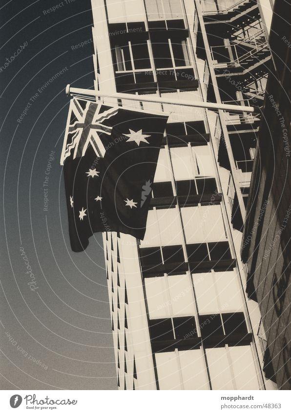 Patriotismus Australien Fahne Union Jack Hochhaus Sydney Melbourne Adelaide Schwarzweißfoto Stern (Symbol) Himmel Treppe