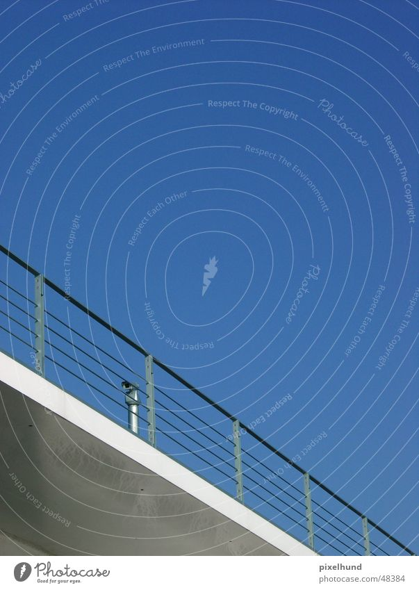big brother 2 blau Brücke verstecken Überwachung Überwachungsstaat Bundeskanzler Amt