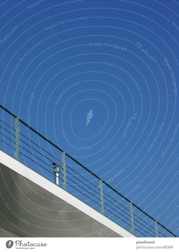 big brother 2 Bundeskanzler Amt Überwachung Überwachungsstaat camera scaninng blau blue hidden verstecken bridge Brücke