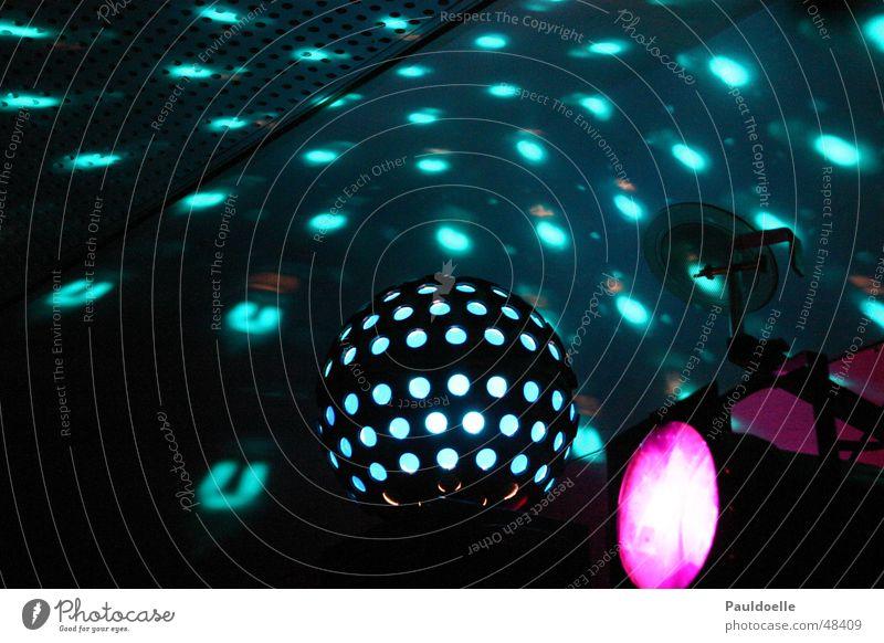 Diskokugel weiß grün blau schwarz dunkel Party Gefühle Freiheit Raum Feste & Feiern rosa Elektrizität rund Disco Freizeit & Hobby violett