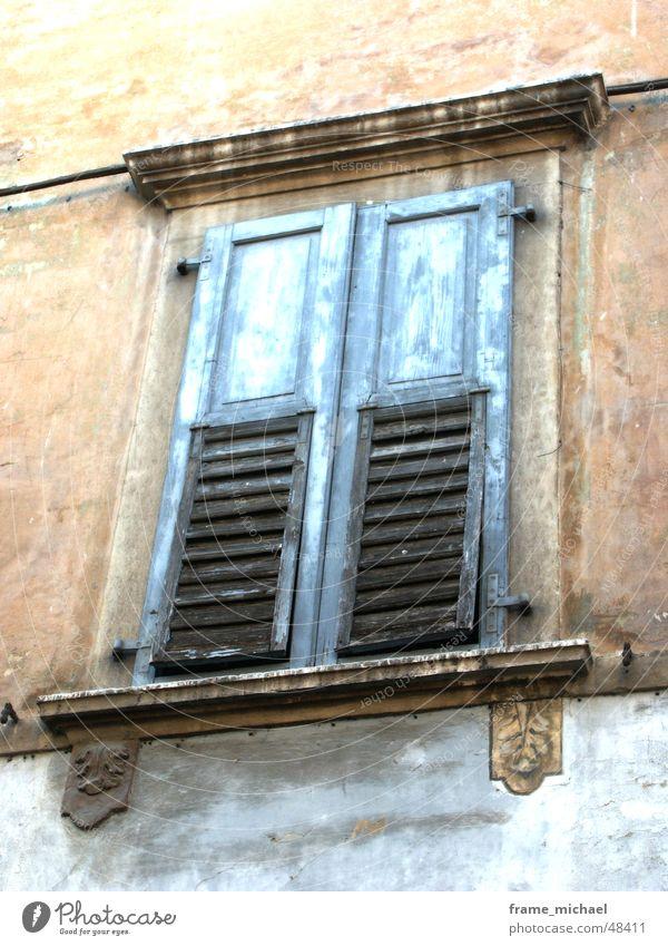 closed Fenster Terrakotta Italien Süden