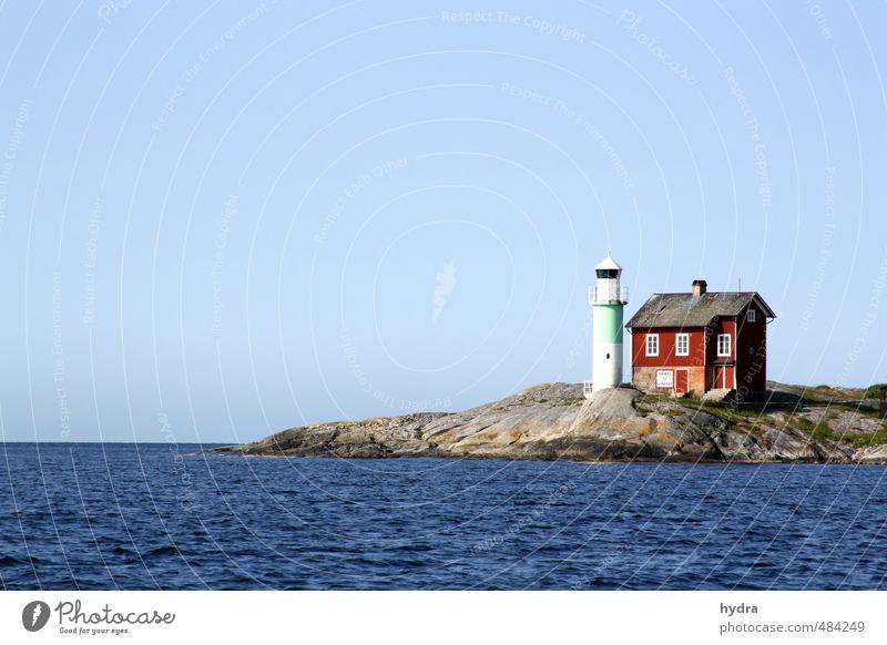 Leuchtturm zum Schärengarten Ferien & Urlaub & Reisen blau Wasser Sommer rot Einsamkeit Haus Ferne Küste Freiheit Stein Felsen Horizont leuchten Schönes Wetter