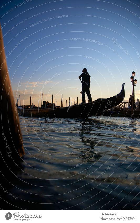 Venedig im herbst Mensch Himmel Natur Ferien & Urlaub & Reisen blau Stadt Wasser Meer schwarz gelb Umwelt Leben Herbst Küste orange maskulin