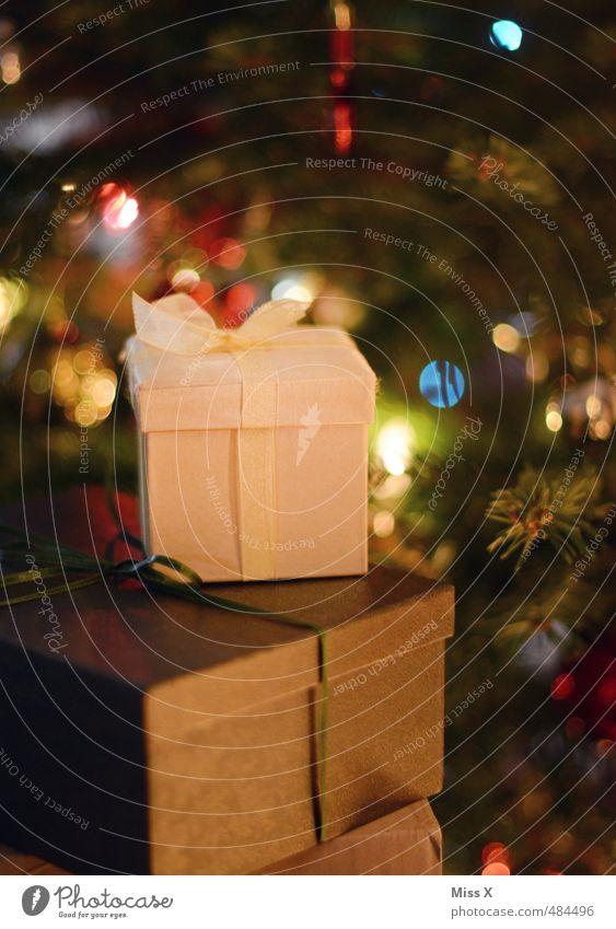Kleine Freunde Weihnachten & Advent Freude Feste & Feiern glänzend gold leuchten Geschenk Weihnachtsbaum Schleife Weihnachtsdekoration verpackt schenken