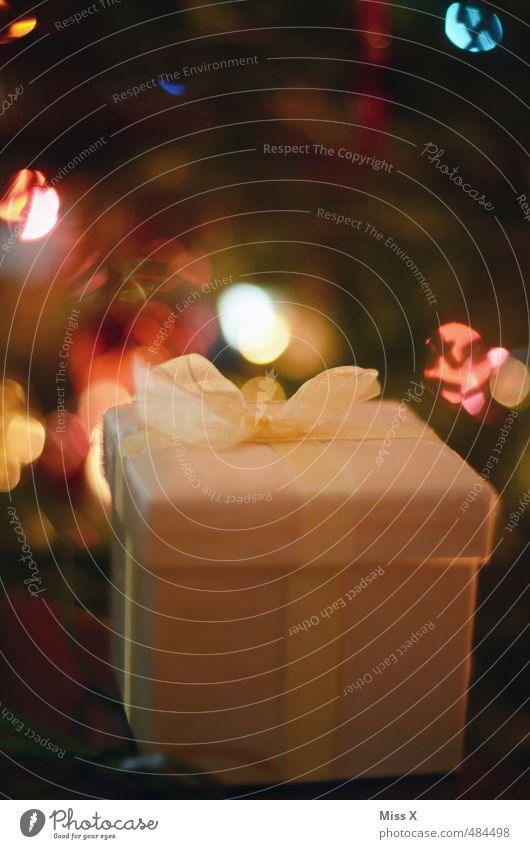 Weihnachtlich Weihnachten & Advent Glück Feste & Feiern Stimmung glänzend leuchten Geburtstag Dekoration & Verzierung Geschenk Weihnachtsbaum Überraschung