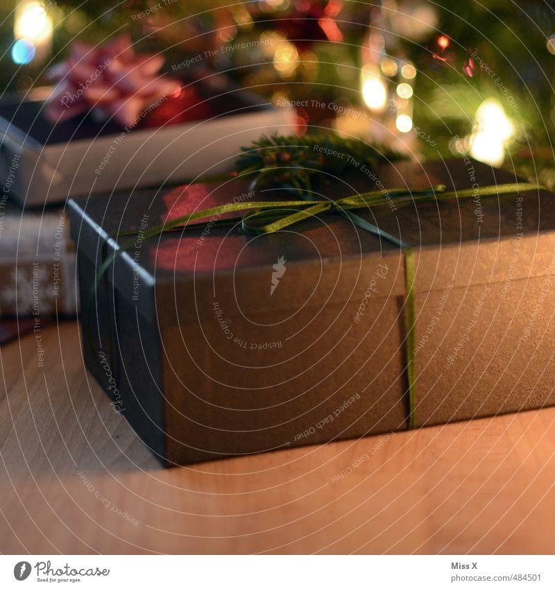 Schenken Weihnachten & Advent Feste & Feiern Stimmung leuchten Geschenk Weihnachtsbaum Reichtum Schleife Weihnachtsdekoration schenken Weihnachtsgeschenk