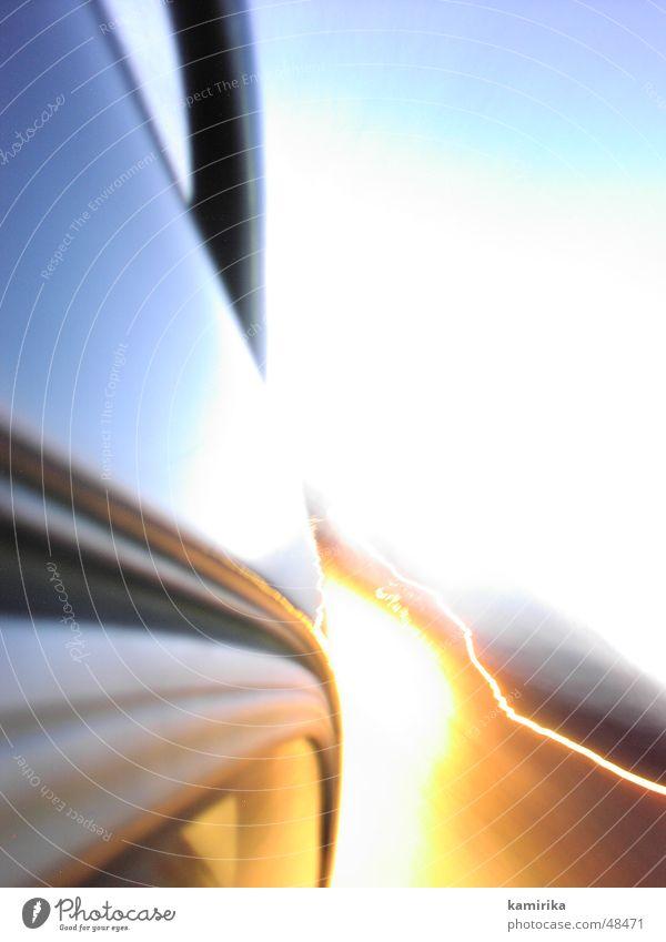 bytheway Licht rot geschwindigkeitk PKW car schell fast light Tür door blau blue red