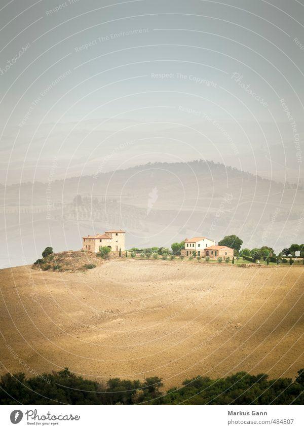 Landschaft in der Toskana Himmel Natur Ferien & Urlaub & Reisen alt Pflanze schön Sommer Sonne Haus Berge u. Gebirge Wärme Hintergrundbild Feld Idylle Sträucher