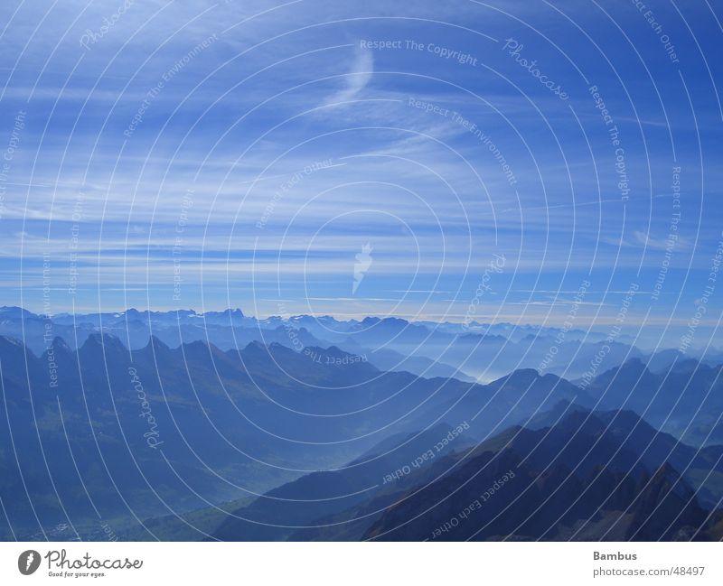 Weitsicht Wolken Nebel Ferne Berge u. Gebirge Alpen Tal Himmel blau