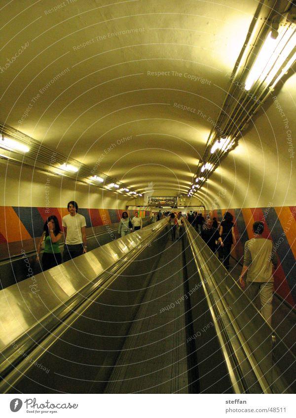 tunnelblick Paris Tunnel U-Bahn Geometrie Laufband