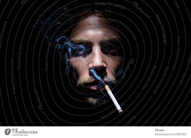 Cigarette Smoker elegant maskulin Junger Mann Jugendliche 30-45 Jahre Erwachsene Bart Rauchen Coolness dunkel gruselig kalt nah trashig Gelassenheit ruhig