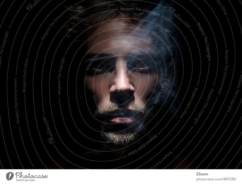 laster 4 Jugendliche Junger Mann 18-30 Jahre Erwachsene dunkel kalt Gesundheit träumen maskulin genießen Coolness Lippen Rauchen Bart Gelassenheit nah