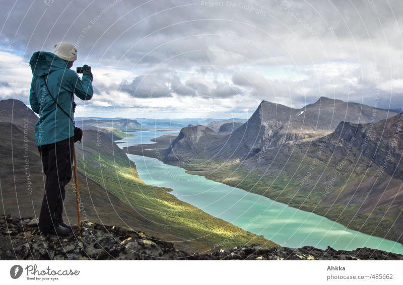 point of view Natur Ferien & Urlaub & Reisen Landschaft Ferne Berge u. Gebirge Leben feminin Wege & Pfade Freiheit See Horizont Stimmung Lifestyle Tourismus