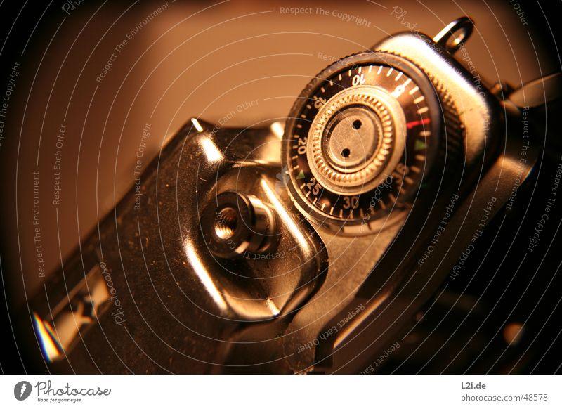 Do you remember? alt grün rot schwarz braun Metall Fotokamera Ziffern & Zahlen silber 30 10 20 Auslöser 15 Drehgewinde 36