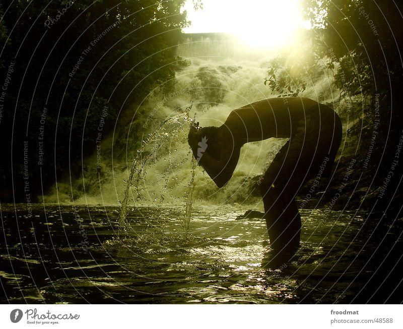Brainwashing Gegenlicht Licht Brasilien Urwald grün Wasser water Wasserfall waterfall Silhouette Schatten Sonne Paradies Waschen Sauberkeit jungle paradise