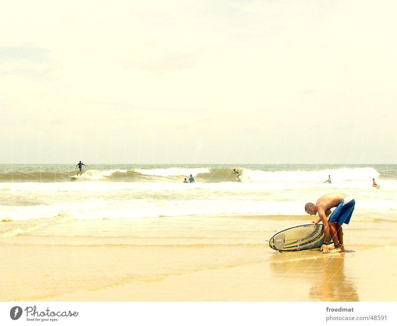 Surfing Wasser Ferien & Urlaub & Reisen Meer Sommer Freude Strand Erholung Sport Wärme Sand Stil Wellen Wind Zufriedenheit Freizeit & Hobby Beginn