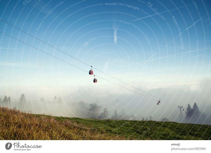aus dem Nebel Himmel Natur Landschaft Umwelt Herbst natürlich Feld Tourismus wandern Ausflug Wolkenloser Himmel positiv Gondellift Seilbahn Nebelmeer
