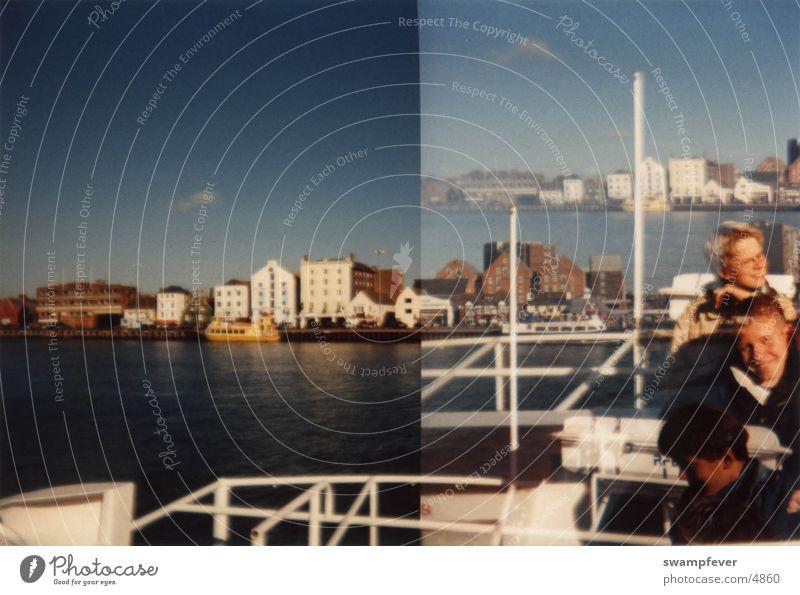 Doppelt Mensch Wasser Ferien & Urlaub & Reisen Haus lachen Hafen Skyline Anlegestelle England Schulausflug Dorset