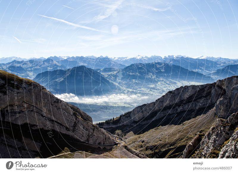 Ausblick Umwelt Natur Landschaft Himmel Sommer Schönes Wetter Felsen Alpen Berge u. Gebirge Gipfel natürlich blau Schweiz Wanderausflug Farbfoto Außenaufnahme