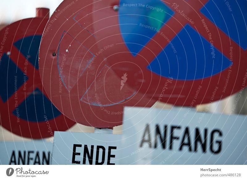 Jedem Anfang wohnt ein Ende inne... blau weiß rot Verkehr Schilder & Markierungen Beginn Hinweisschild Autofahren Straßenverkehr Verkehrsschild Warnschild