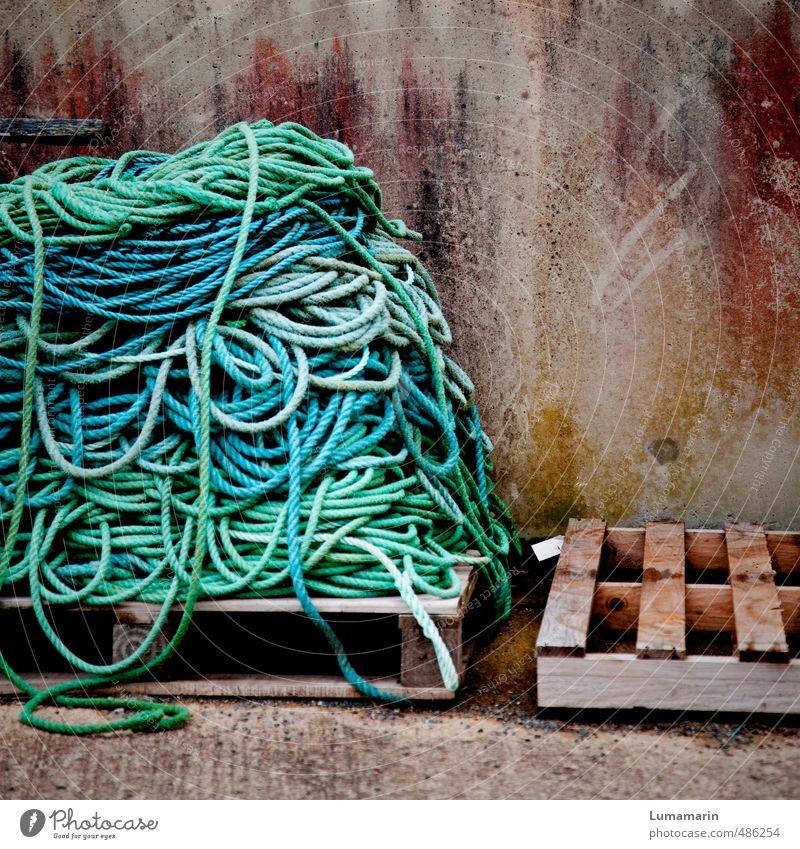 aller Anfang ist schwer blau Wand Mauer Holz Ordnung groß leer hoch Beton Seil Güterverkehr & Logistik türkis lang Schifffahrt Handwerk Handel