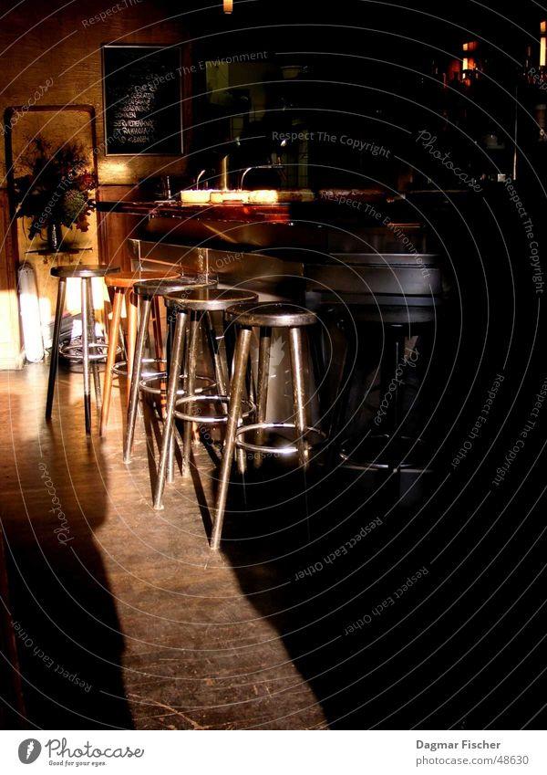 sonnenbar Sonne Berlin Metall braun Raum Bar Gastronomie Theke Leder Hocker Kneipe Cocktailbar