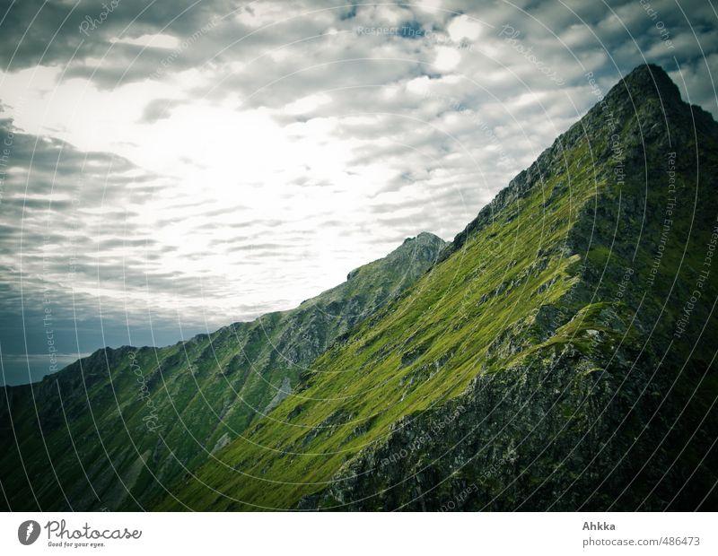Lofoten XIV Natur Ferien & Urlaub & Reisen alt Landschaft Ferne dunkel Berge u. Gebirge Freiheit Stimmung Tourismus Kraft wandern authentisch Perspektive