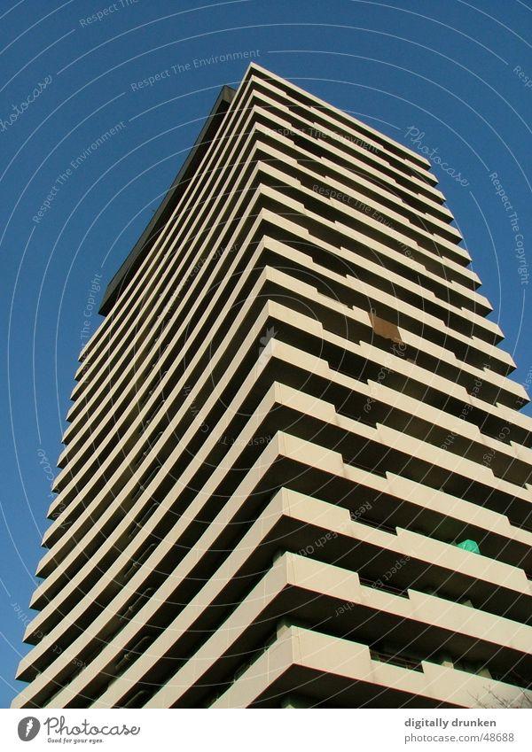 Universum-Center Himmel Stadt Haus Arbeit & Erwerbstätigkeit Linie Business Hochhaus Zukunft Ladengeschäft Balkon Gesellschaft (Soziologie) streng Ulm