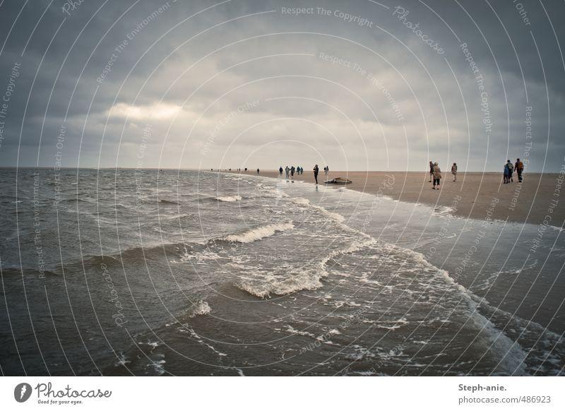 Borkum Ferien & Urlaub & Reisen Wasser Meer Wolken Strand Ferne dunkel Leben Bewegung Küste grau Horizont Regen Wellen Wind wild
