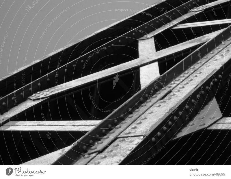 X-Bridge Stahl Monochrom Brücke bridge Schwarzweißfoto steel