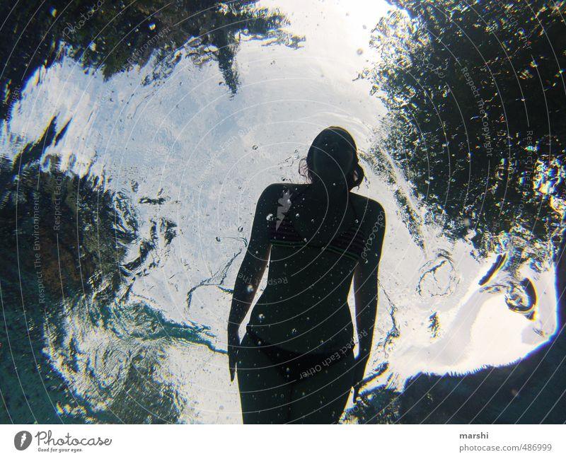 Fischperspektive Mensch Frau Jugendliche Ferien & Urlaub & Reisen Wasser Meer Junge Frau Erwachsene dunkel feminin Sport Schwimmen & Baden Körper